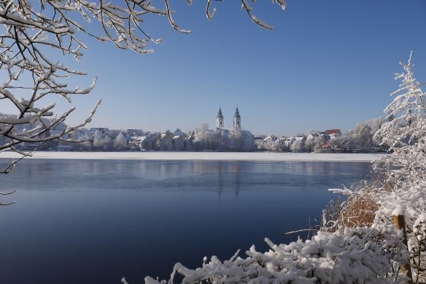 Snow in Bad Waldsee: Lake View