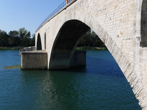 Half-Bridge in Avignon